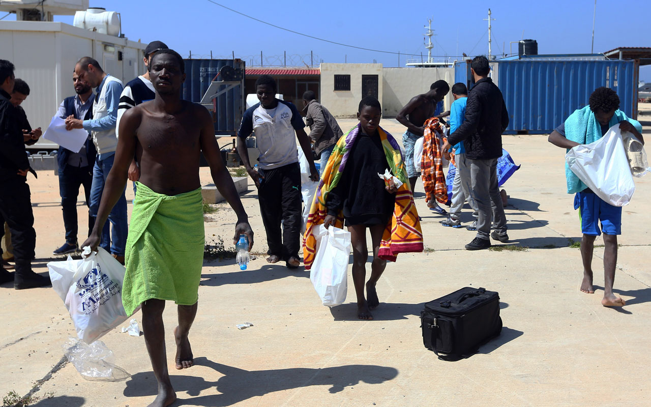 Child among seven migrant bodies found off Libya