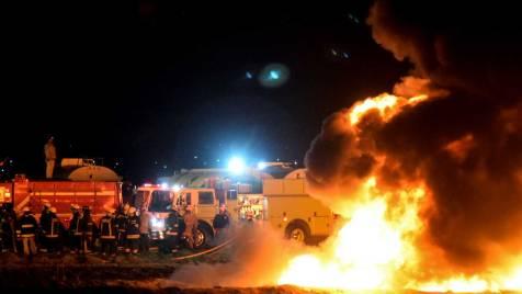 Bildergebnis für Mexico Pipeline blast kills 21 and injures Dozens