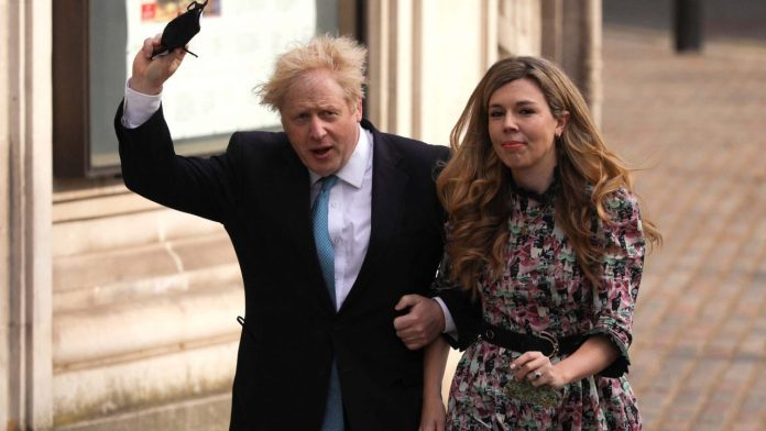Boris Johnson and Carrie Symonds e1622322684772