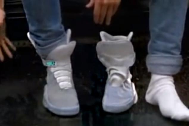 Back to the Future II Self-tightening Power Laces Coming in 2015 (Video)