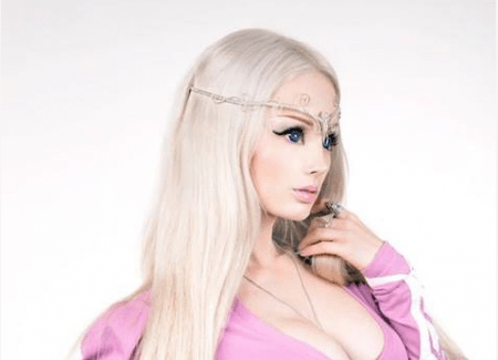 Valeria Lukyanova: Human Barbie to Live on Air