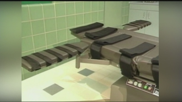 Oklahoma Inmate Suffers Botched Execution but Dies Anyway