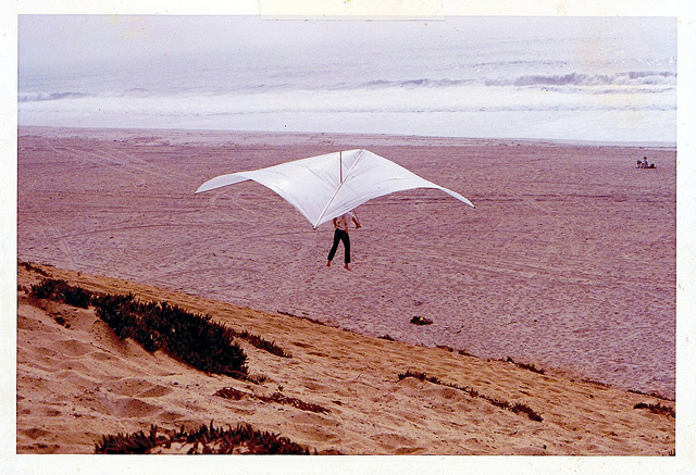 California's Dockweiler Beach Has Been Home to Hang Gliding for 14 Years