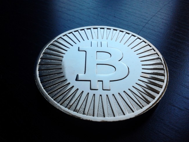 Bitcoin Expands as Stock Price Falls (Update)