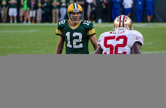 Aaron Rodgers Keeps Packers Alive