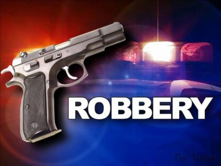 robbery-attempt-foiled-man-held-1343696161-1282-450x338