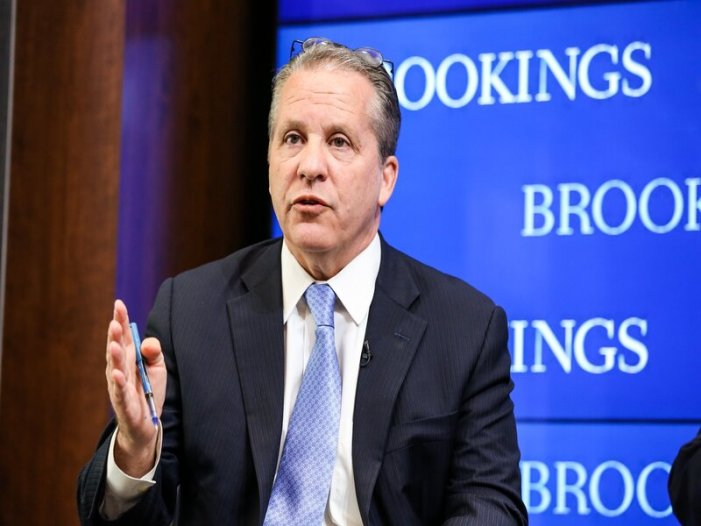 Economic Policy Expert Gene Sperling to Oversee $1.9T Stimulus
