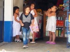 girls in Rio Dulce