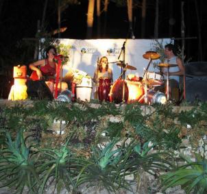 Rossana Taddei y Gustavo Etchenique en GuazuClub