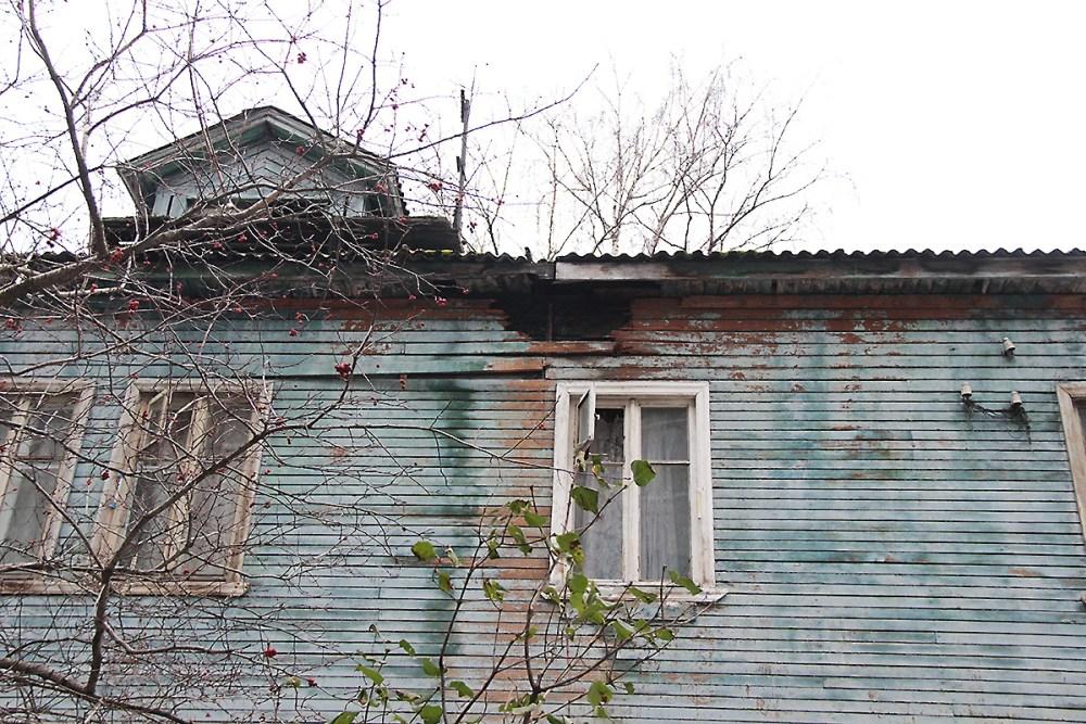 дом деревяшка развалина