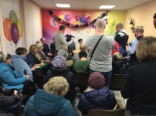 Встреча жителей Соломенного и чиновников. Фото: Губернiя Daily