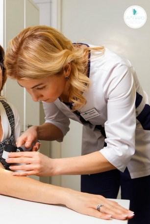 дерматоскопия, дерматоскоп, удаление родинок, петрозаводск, ампаро, клиника, лазер, дерматоскоп, меланома, опасные родинки, признаки, частые вопросы