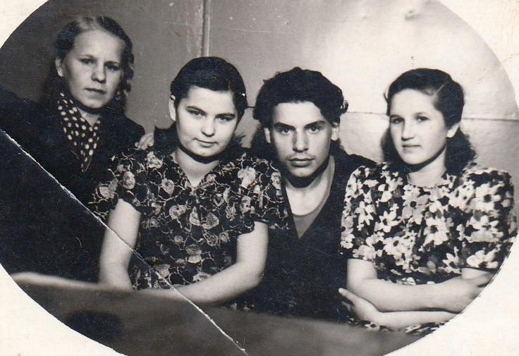 девушки и юноши фото ретро