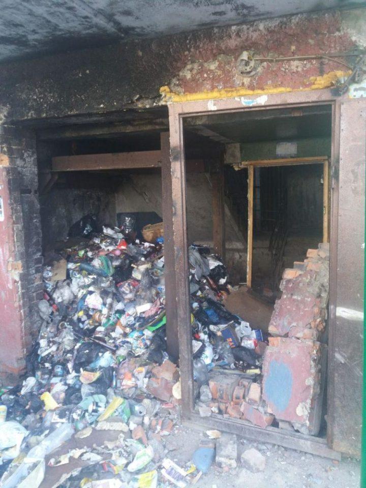 мусор, взорвался, подъезд