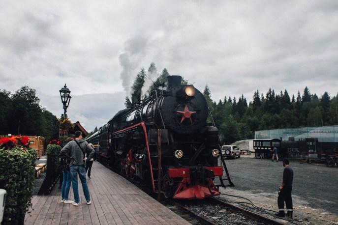 ретро-поезд Рускеала