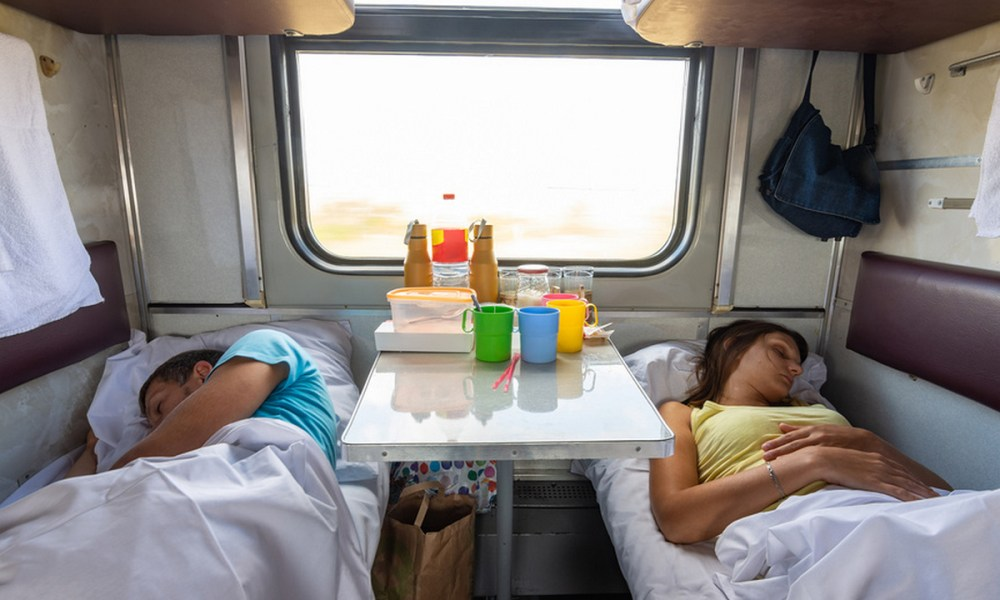 пассажиры поезда плацкарт