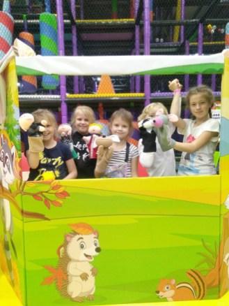 дети грают в кукольный театр, боше парк, петрозаводск, город профессий