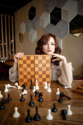фотосессия в стиле ход королевы, шахматы, турин, петрозаводск, ресторан винегрет, губерния дейли