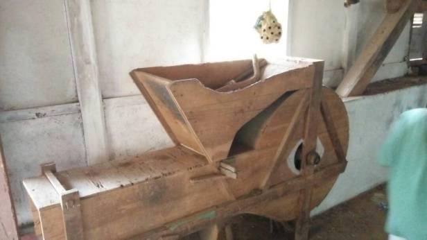 Pangipeh, bagian dari komponen kincir penumbuk padi atau kopi