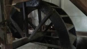 Roda Kincia, bagian dari komponen kincir penumbuk padi atau kopi