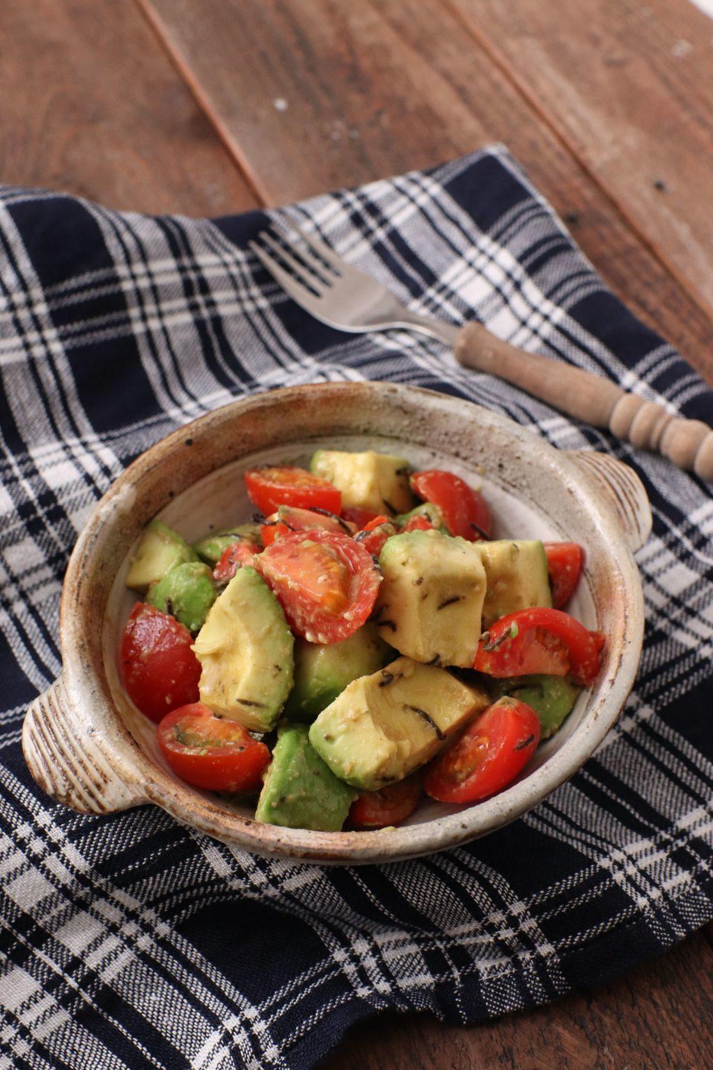 【レシピ】アボカドトマトのわさび海苔和え