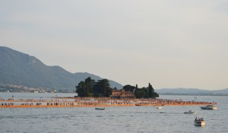 the-floating-piers-christo-34