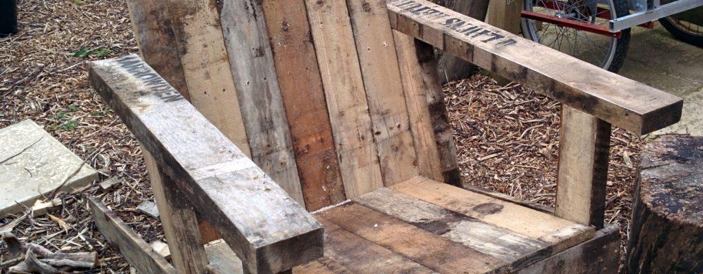 #Pallet #Adirondack #DIY Build