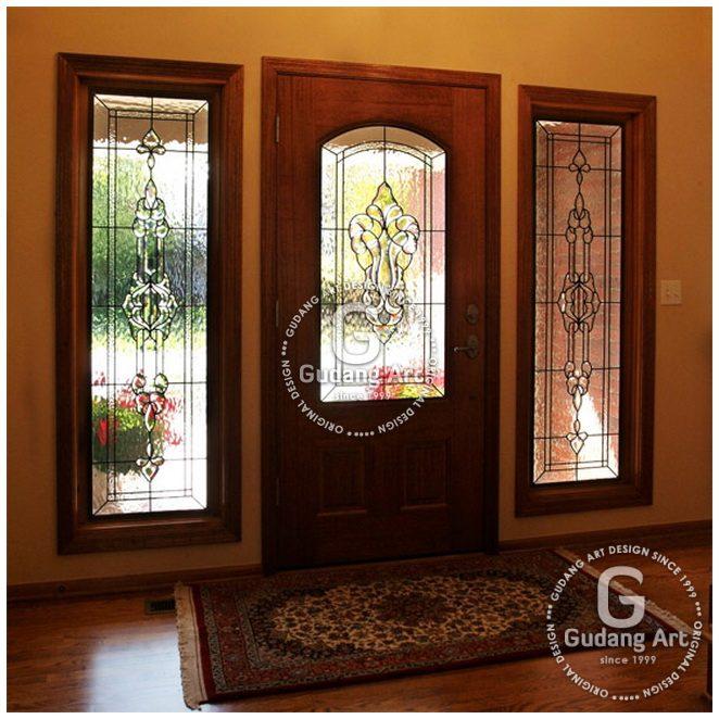 Tips Memilih Ornamen Kaca Patri Sebagai Dekoratif Jendela dan Pintu