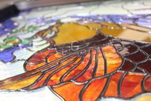 Mengaplikasikan Lukisan Kaca Patri Tema Fauna Dengan Tampilan Menarik