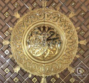 replika pintu masjid nabawi