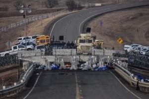 Total block - Highway 1806 south side blockade