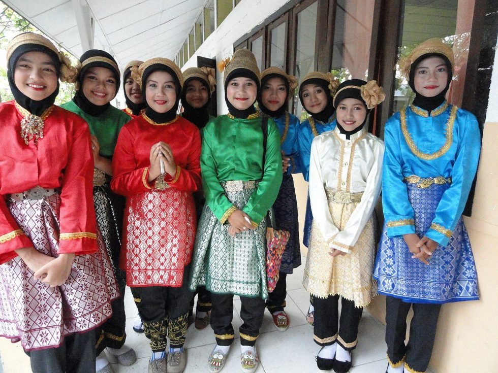 Acehnese girls from Indonesia in their traditional attire. The Acehnese live on the northernmost tip of Sumatra.