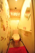 ラウンジ内にもウォシュレット式トイレ有り 라운지 내에도 비데식 화장실 있음 在休息室裡面也有乾淨的洗手間。 Toilet with washlet in the lounge