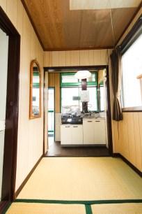 キッチンには2口コンロがあります。 주방에는 2구 가스렌지가 있습니다. 厨房具备两口煤气炉 2 gas cookers in the kitchen.