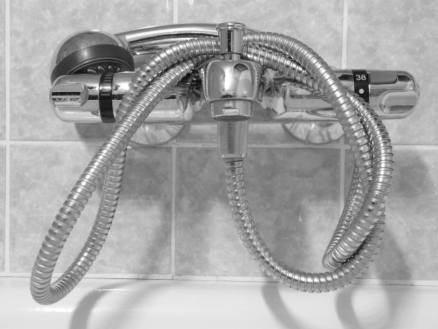 replace-showerhead