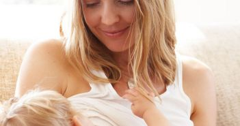 Mother+breastfeeding+her+child