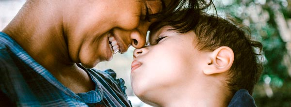 mãe e filho índigo
