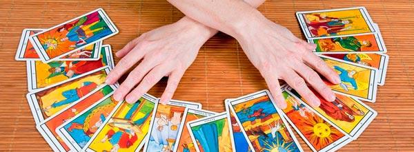 guia-da-alma-como-funciona-sessão-tarot-terapêutico-tarô-autoconhecimento-cartas