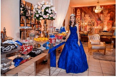 Azul-royal-debutante-mel-guia-da-debutante