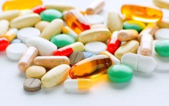 suplementos e vitaminas na farmácia