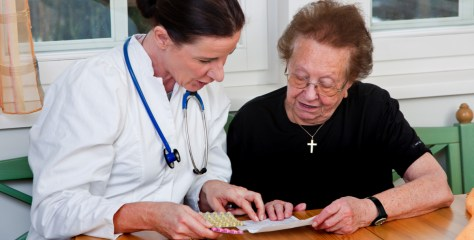 Campanha organiza rotina de medicação de idosos