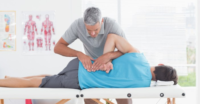 Nervo Ciático inflamado, dor, travamento da Coluna, dificuldade para andar:  o que causa, quais os sintomas e tratamento de nervo ciático inflamado