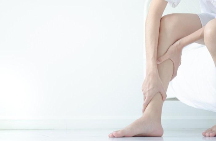 como-evitar-o-inchaço-das-pernas-no-verão