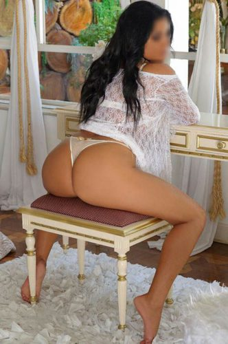 Massagem Vila Mariana - 24 horas. Massagista Sensual Gaby Fernandes F: (11) 9 7512-3774