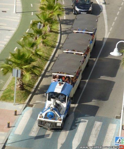 Tren Turístico Trópico Express en Playa Velilla, Almuñécar