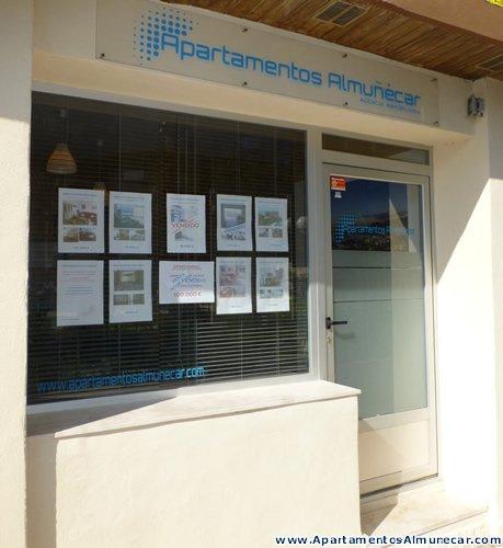 Agencia Inmobiliaria Apartamentos Almuñécar en Urbanización Las Góndolas