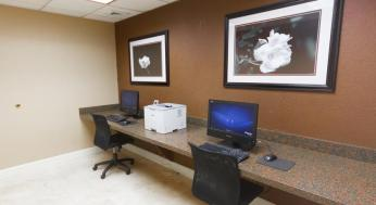 clarion-inn-and-suites-2