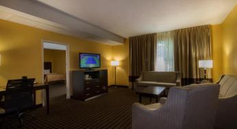 clarion-inn-and-suites-8