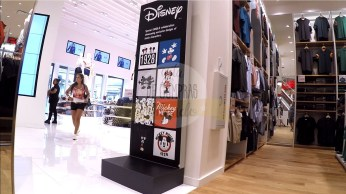 uniqlo-disney-springs-18