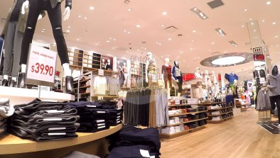uniqlo-disney-springs-4